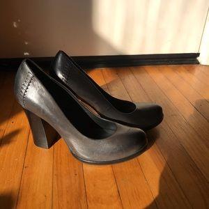 Kork Ease Simone Pumps Carbon Dark Gray 10 Leather